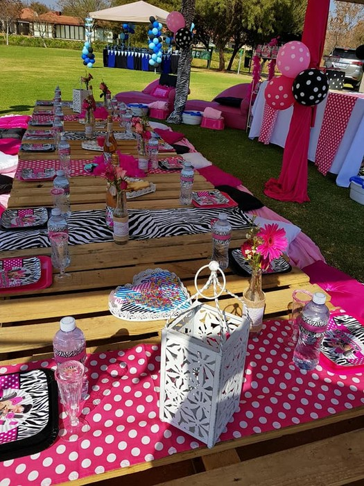 We make 1st birthday party supplies, party supplies for boys and girls as well as babyshower decor.
