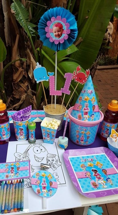Kiddies Theme Parties offers personalized Bubble Guppies party supplies and decor for sale.