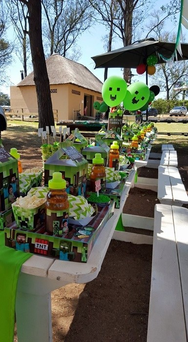 Kiddies Theme Parties offers personalized Minecraft party supplies and decor for sale.