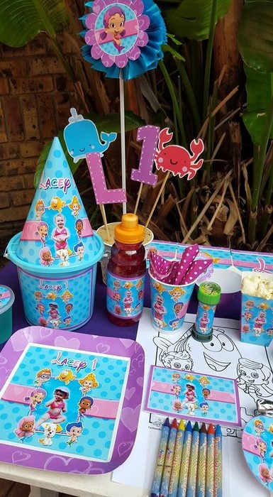 Our custom made Bubble Guppies party supplies include personalised pvc banners, party packs, movie boxes and more.