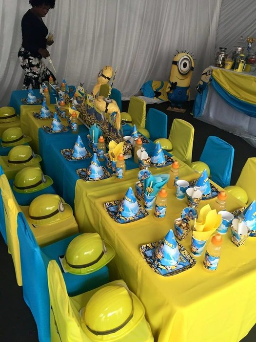 Our custom made Minions party supplies include personalised pvc banners, party packs, movie boxes and more.