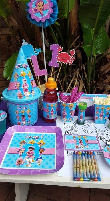 Kiddies Theme Parties hire out gazebos, picnic tables, umbrellas and photo boards for your Bubble Guppies party.