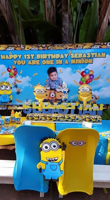 Kiddies Theme Parties hire out gazebos, picnic tables, umbrellas and photo boards for your Minions party.