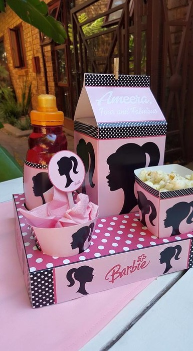Our custom made Vintage Barbie party supplies include personalised pvc banners, party packs, movie boxes and more.