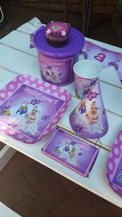 Daisy Duck Party Decor for a 1st birthday