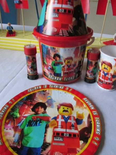 Lego Blocks party decor