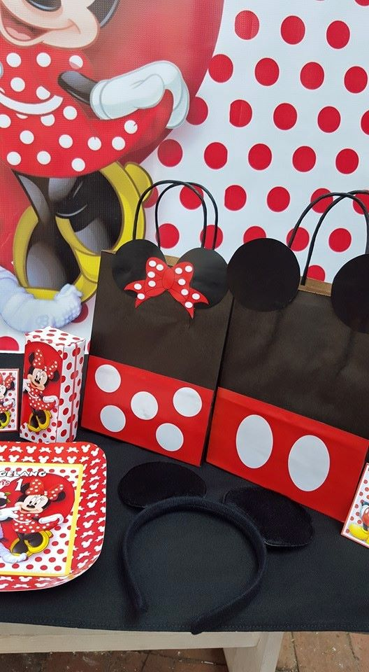 Polka dot minnie mouse party supplies for Polka dot party ideas